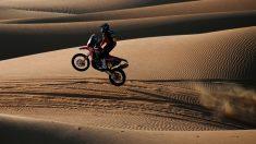 Kevin Benavides durante una etapa del Rally Dakar 2020. (AFP)