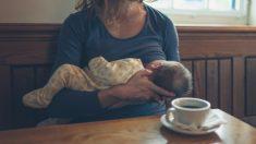 Afrontar la primera lactancia materna en público