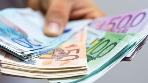 Un multimillonario japonés regala 9 millones de euros por esta razón