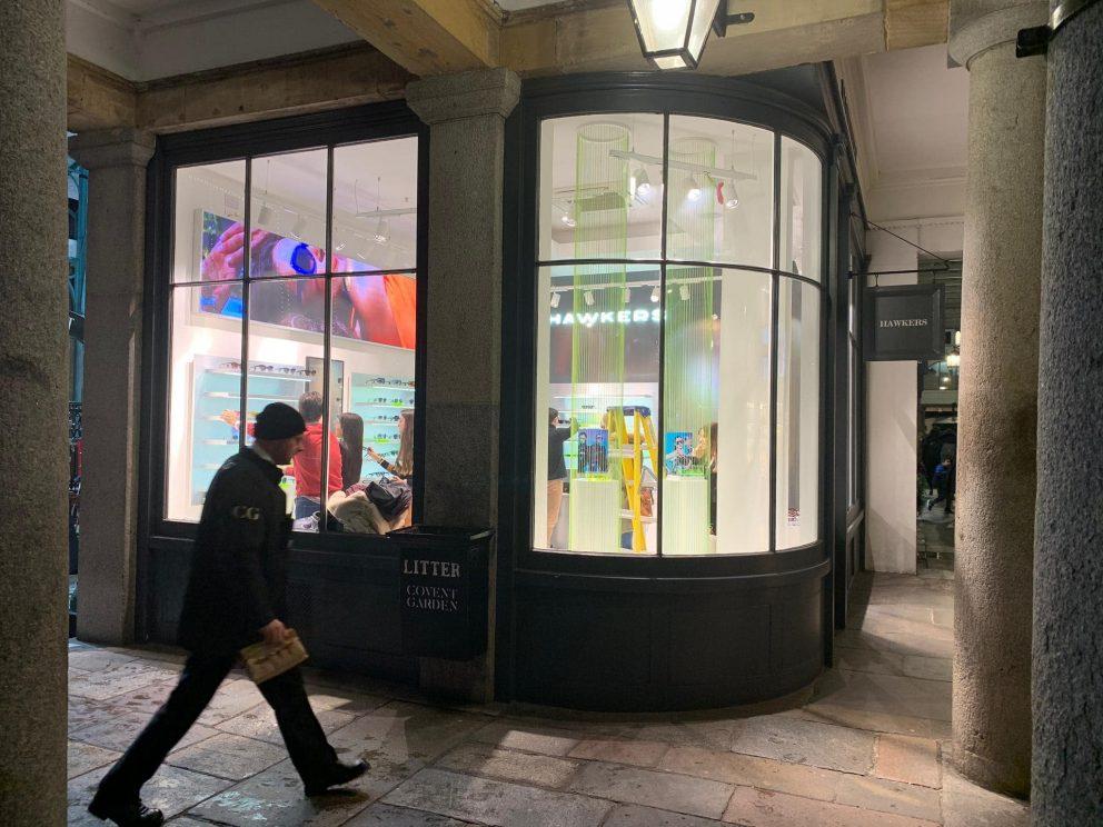 Una mirada exclusiva a la tienda Hawkers de Covent Garden