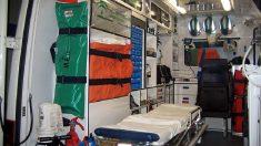 Interior de una ambulancia. Foto EP