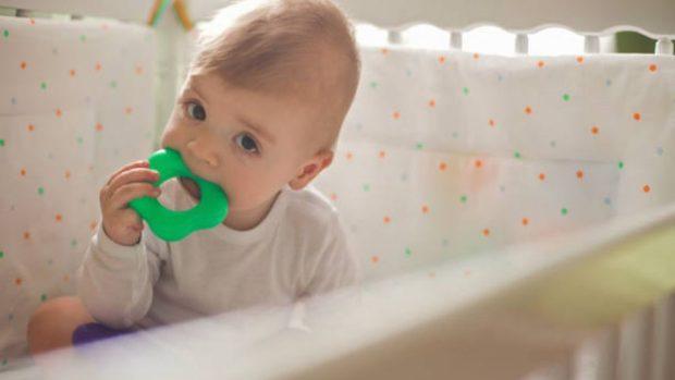 """¿Por qué muerde mi bebé y qué puedo hacer para evitarlo"""""""
