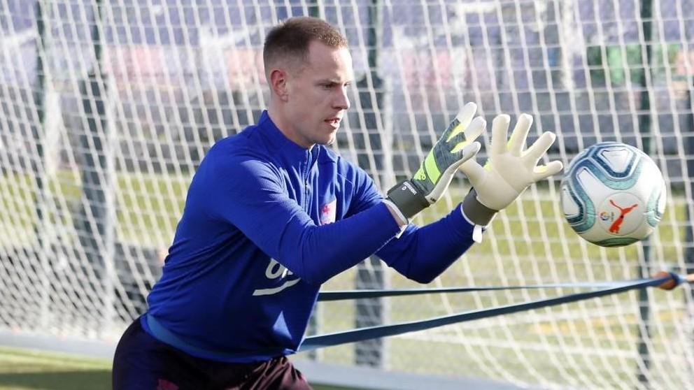 Ter Stegen, durante el entrenamiento. (FC Barcelona)