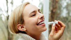 El bálsamo labial protege e hidrata tus labios durante todo el día