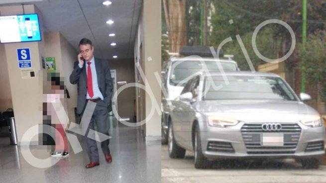 El diplomático español visitando a Carlos Romero, ex minisitro de Evo Morales.