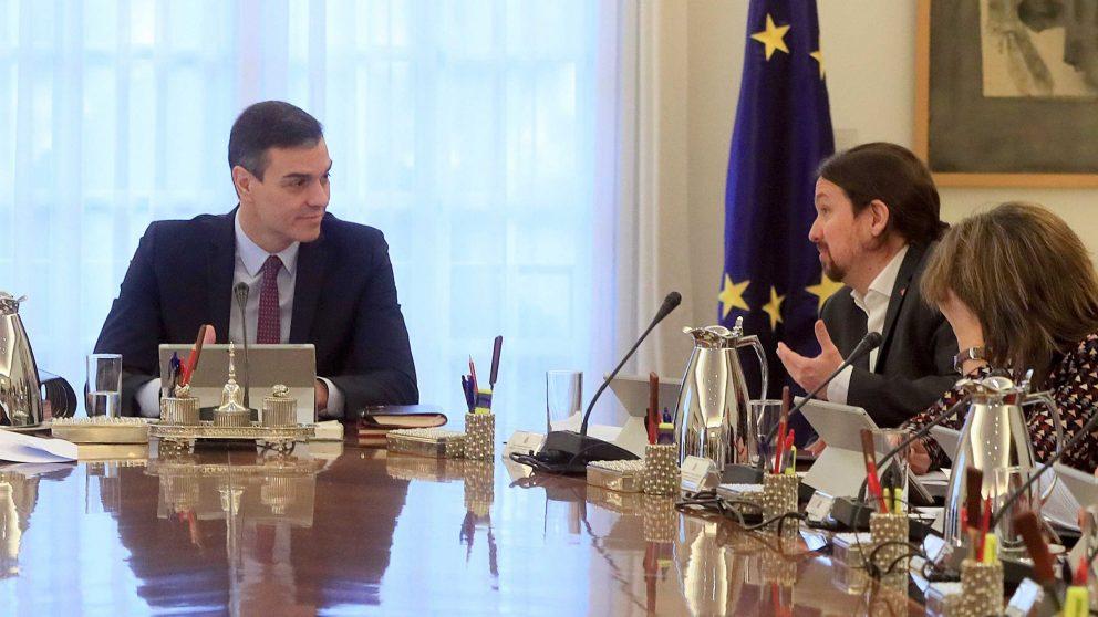 Pedro Sánchez y Pablo Iglesias en el Consejo de Ministros.