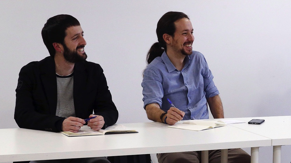 Juanma del Olmo junto a Pablo Iglesias.