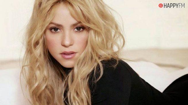 Shakira se quita unos cuantos años de encima con este sorprendente look