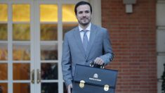 Alberto Garzón, Ministro de Consumo. Manuel Castells, Ministro de Universidades. (Foto: Francisco Toledo)