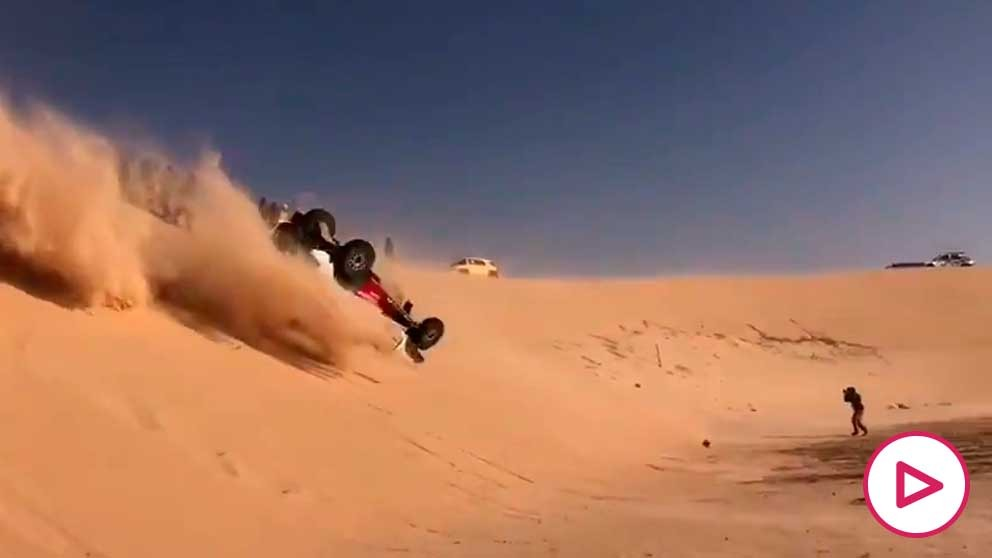 Así fue el espectacular accidente de Alonso. (Álvaro García)