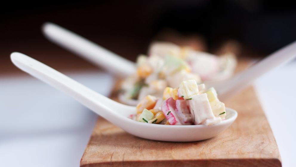 Receta de aperitivo de surimi con piña