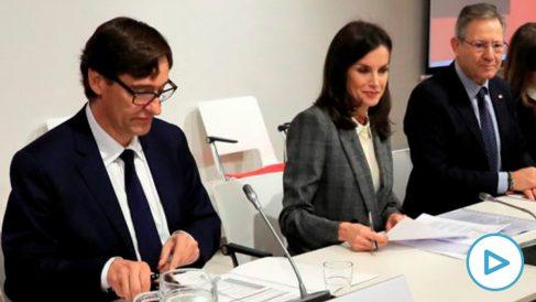 El ministro Salvador Illa junto a la Reina Letizia. Foto: EFE