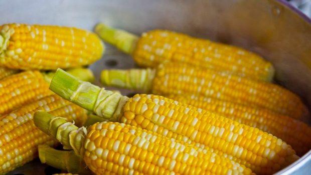 Receta de croquetas de maíz y queso