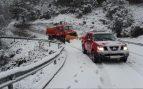 Muere un hombre de 44 años atropellado mientras ponía las cadenas en su coche en un puerto asturiano