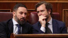 El presidente de Vox, Santiago Abascal, y el portavoz del partido en el Congreso de los Diputados, Iván Espinosa de los Monteros. Foto EP