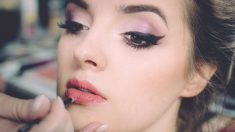 El maquillaje es de gran ayuda para corregir imperfecciones o potenciar rasgos faciales