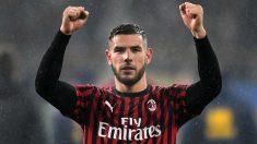 Theo Hernández celebra una victoria del Milan. (Getty)