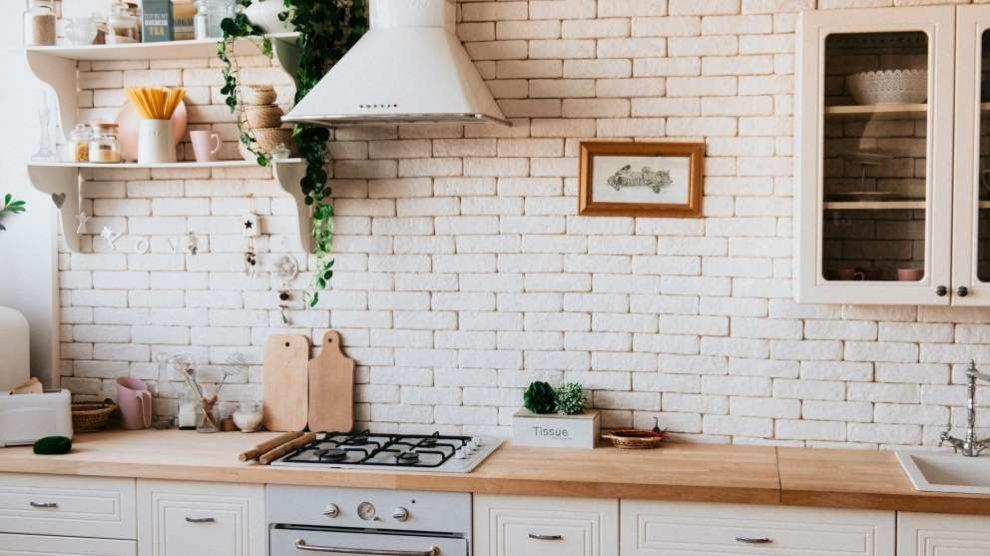 Los azulejos son una de las mejores opciones de revestimiento para la cocina