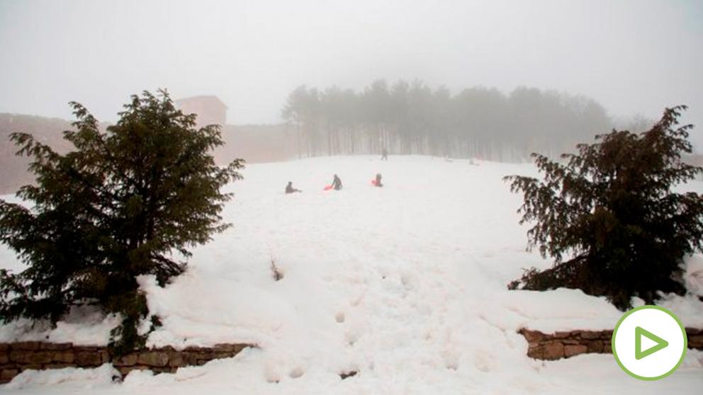 Una gran nevada, producida 'Gloria' ha cubierto las comarcas de Els Ports y El Maestrat. Foto: EFE