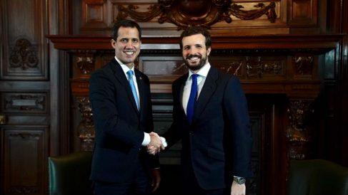 Pablo Casado y Juan Guaidó, este sábado.