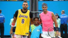 Kyrgios, con la camiseta de Kobe Bryant antes del partido. (Getty)