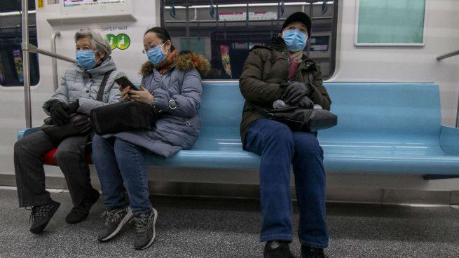 Facebook: Un chino es expulsado de un taxi por toser