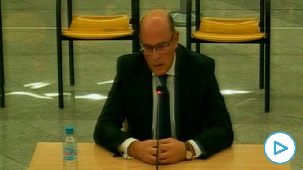 El coronel de la Guardia Civil Diego Pérez de los Cobos, durante su declaración en el jucio contra la cúpula de los Mossos.