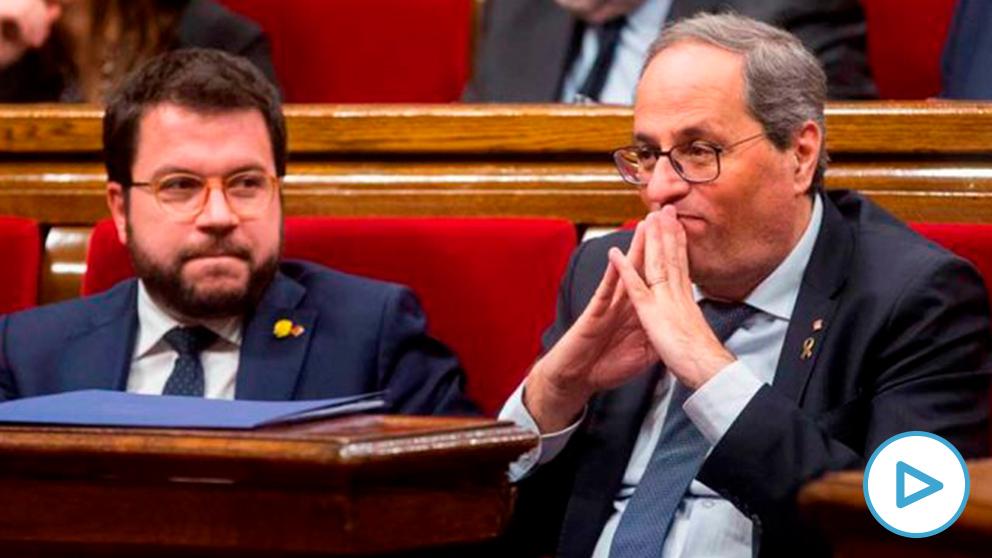 Quim Torra asiste con el vicepresidente Pere Aragonés al pleno del Parlament
