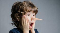 Descubre cómo identificar y cómo reaccionar ante las mentiras de los niños