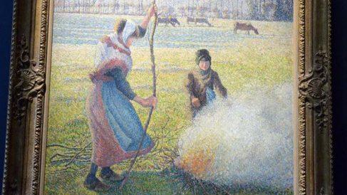 'Gelée banche, jeune paysanne faisant du feu' (1888), de Pissarro. Una de las obras expoliadas por los nazis, y devueltas, que subasta Soptheby's.