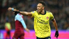 Aubameyang celebra un gol con el Arsenal. (Getty)