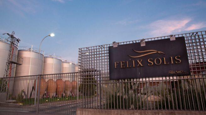 La Fiscalía investiga a Félix Solís tras una denuncia por fraude en sus vinos Valdepeñas