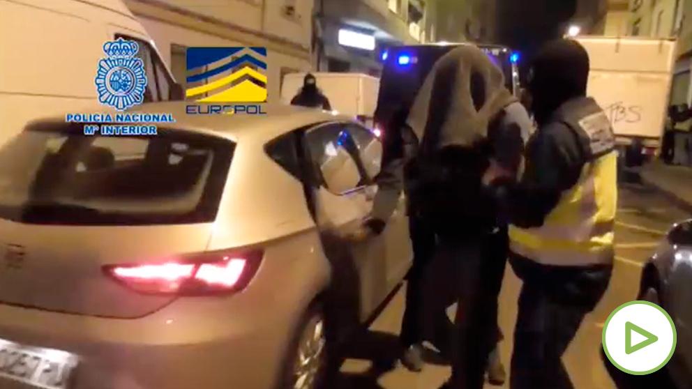 Momento de la detención del «ciberterrorista»» de Reus.