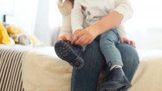 Las claves para ayudar a los niños a que aprenda atarse los zapatos
