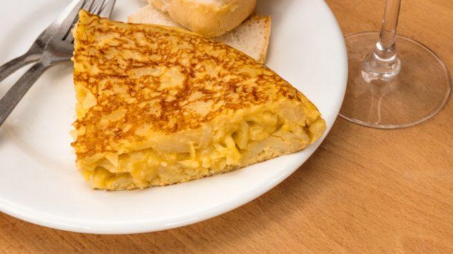La tortilla de Betanzos se ha coronado como la número uno, siendo 'trending topic' por estar en la primera posición de un ranking de imágenes de comida.