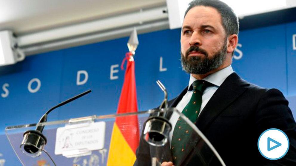 Santiago Abascal, presidente de Vox, durante una rueda de prensa en Congreso de los Diputados. (Foto: Efe)