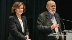 La vicepresidenta del Gobierno en funciones, Carmen Calvo, y el director del CIS, José Félix Tezanos. (Foto: Europa Press)