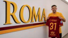 Carles Pérez, presentado como nuevo jugador de la Roma.