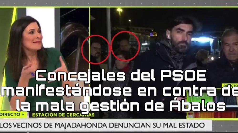 Concentración en la estación de Cercanías de Majadahonda con la presencia de ediles del PSOE. (Foto. Madrid Directo)