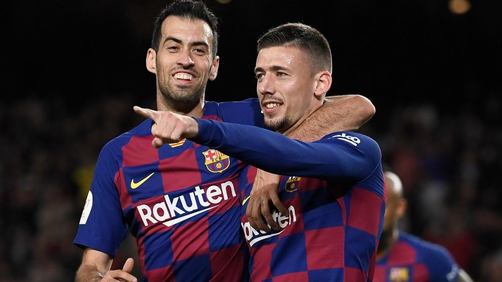 Clément Lenglet celebra su gol con Sergio Busquets ante el Leganés. (AFP)