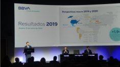 Carlos Torres y Onur Genç en la presentación de resultados de BBVA