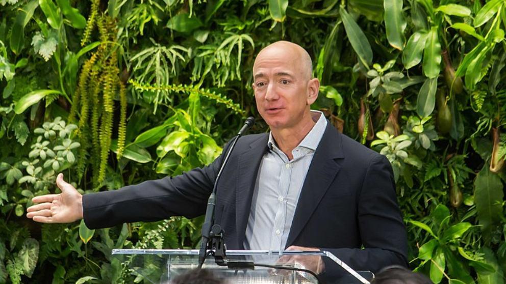 Jeff Bezos aumenta su fortuna en unos 10.000 euros en 15 minutos