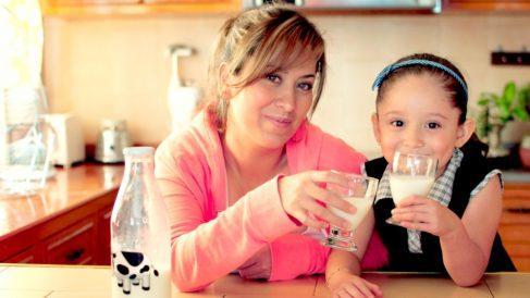 ¿Por qué tomar leche en la edad infantil?