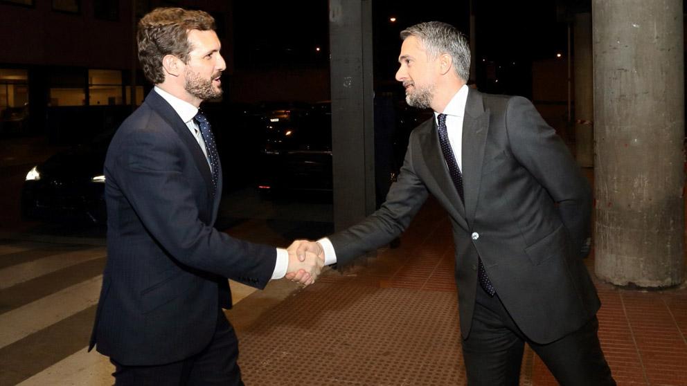 Pablo Casado a su llegada a RTVE (Foto: EFE)