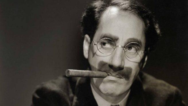 disfrazarse de Groucho Marx