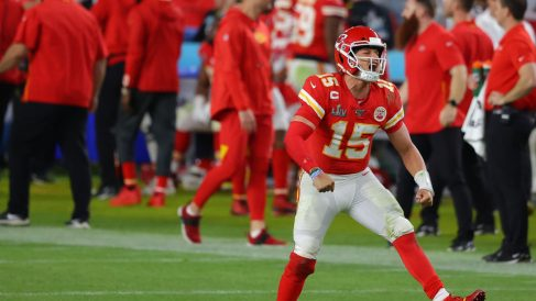 Patrick Mahomes anota un TD en el Kansas City Chiefs vs San Francisco 49ers (Getty)