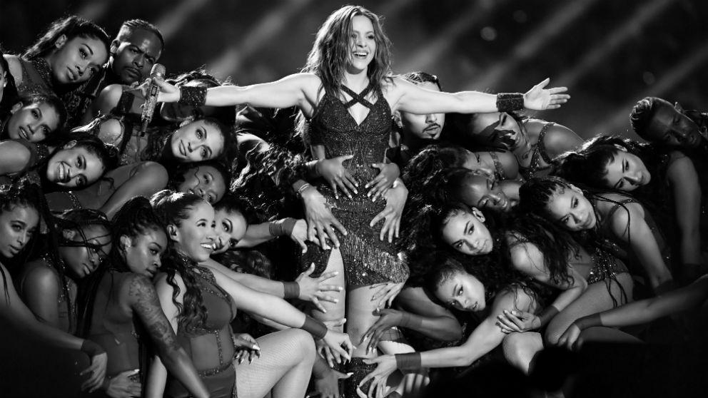 Shakira, al finalizar su actuación en la Super Bowl. (Getty)
