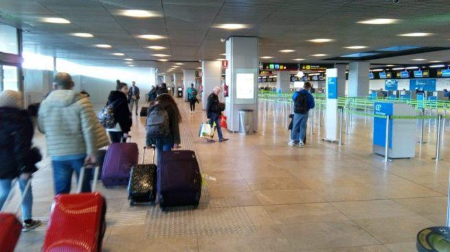 El tráfico aéreo cae un 14% en España.