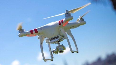 ¿Cuál es la multa por volar un dron cerca de un aeropuerto