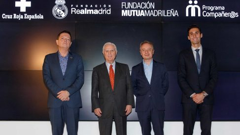 Jaime Gregori (Cruz Roja), Enrique Sánchez (Fund Real Madrid), Lorenzo Cooklin (Fund Mutua) y Alvaro Arbeloa